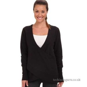 NEW • Lucy • Yoga Girl Pullover Sweatshirt Black L